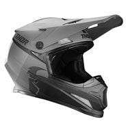 CASCO THOR SECTOR RACER 2021 COLOR NEGRO / CARBÓN